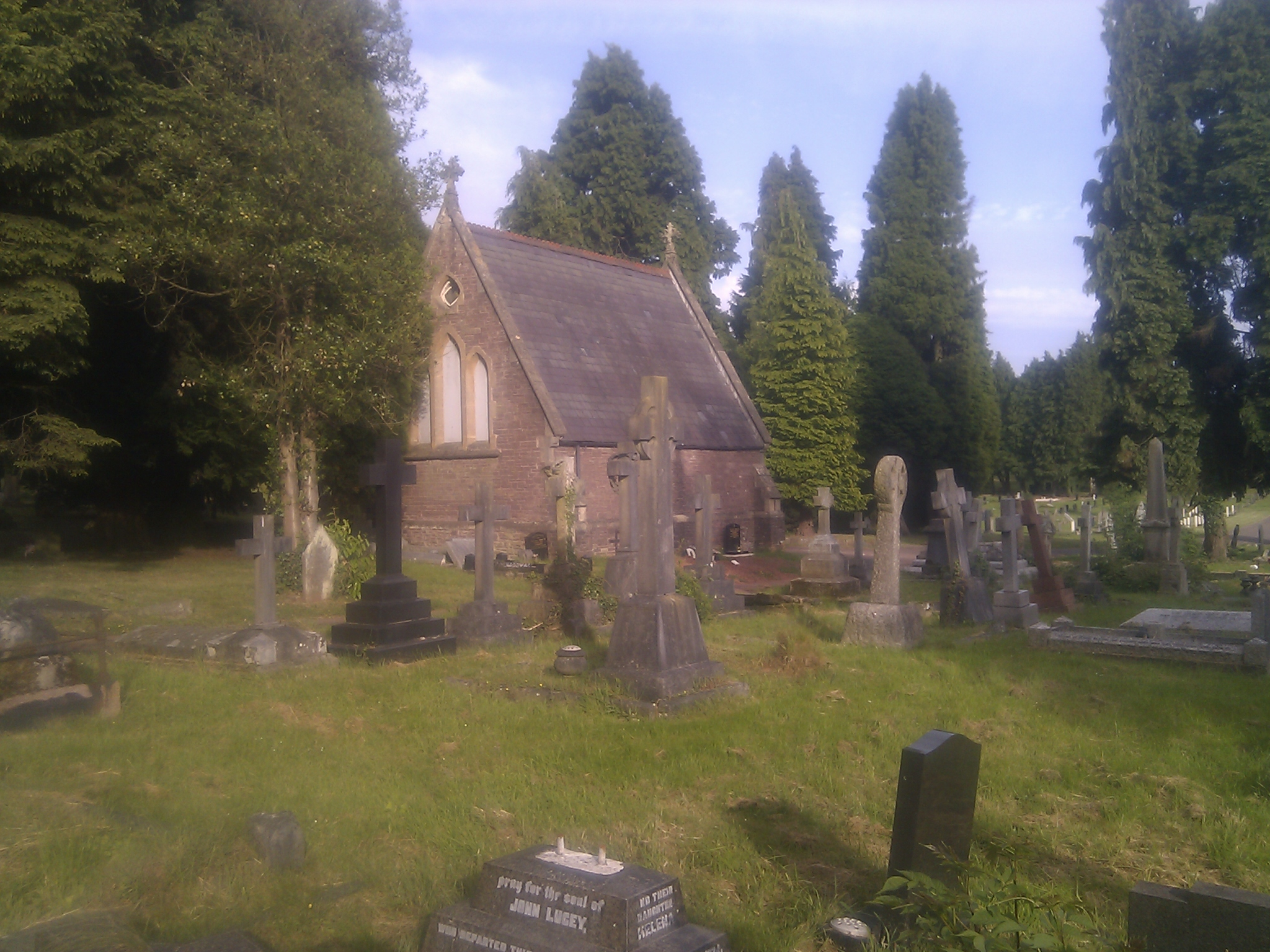 Roman_Catholic_chapel_in_St_Woolos_Cemetery,_Newport